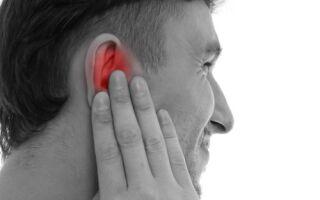 Причины появления прыщей в ушах и как от них избавиться