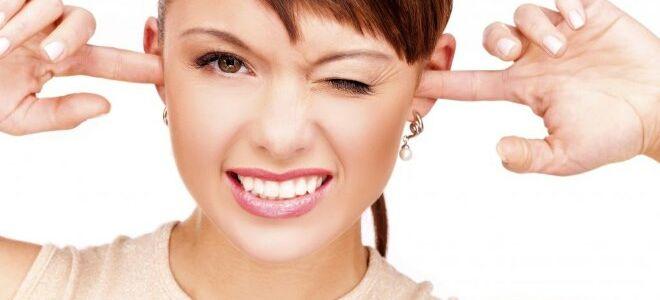 От чего закладывает уши: причины и методы лечения