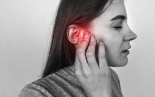 Боль в горле и ухе c одной стороны