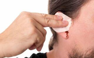 Кровь из уха: механические, инфекционные и онкологические причины