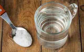 Как полоскать горло содой и солью при ангине?
