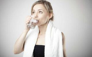 О полоскании горла: можно ли смешивать соду с солью и еще добавлять йод?