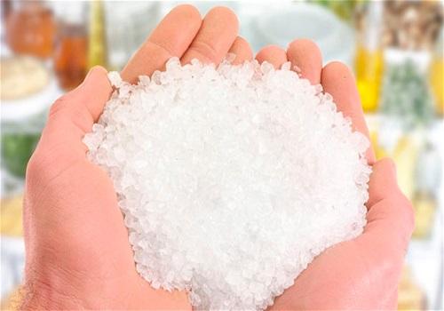 Горячая соль при боли в ухе