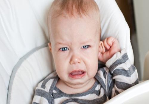Как лечат отит у детей