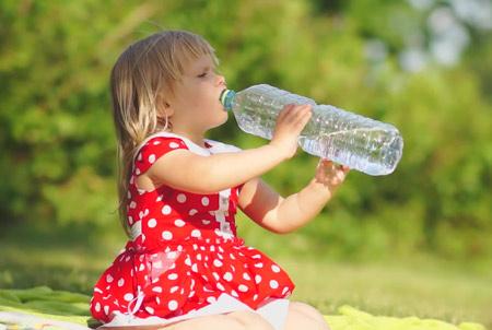 Питье теплой воды