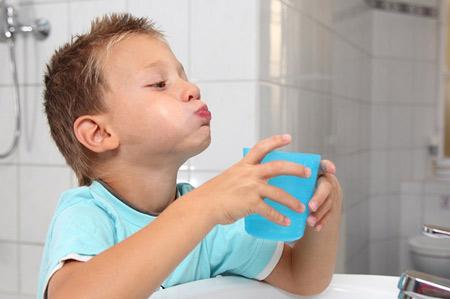 Полоскания горла при ангине у детей