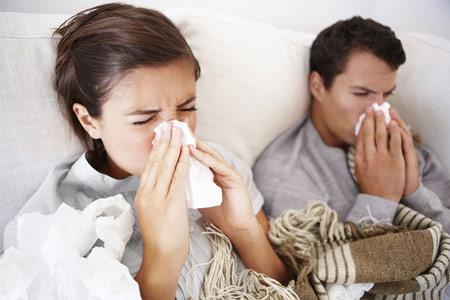 Повышение температуры и боль в горле