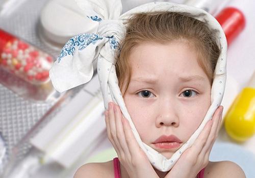 У ребенка болит ухо