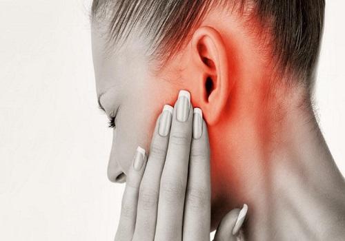 Болит ухо отдает челюсть thumbnail